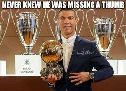 Ronaldo with no thumb memes